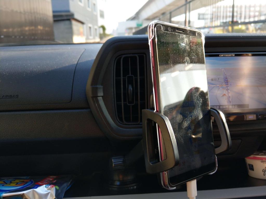 車載フォルダーとFMトランスミッターをつかって車で聴き放題